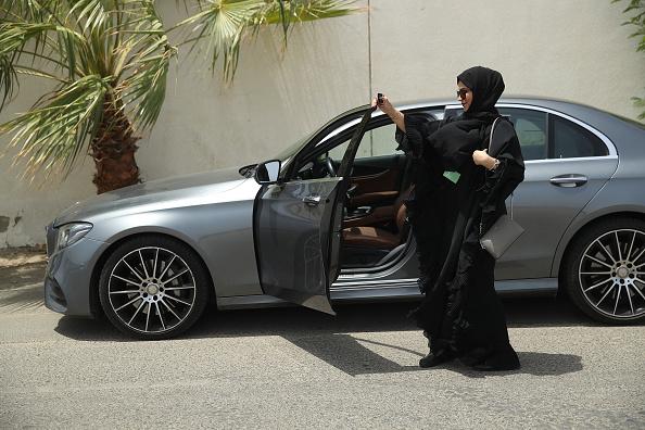 Arabia「Women Begin Driving In Saudi Arabia」:写真・画像(15)[壁紙.com]