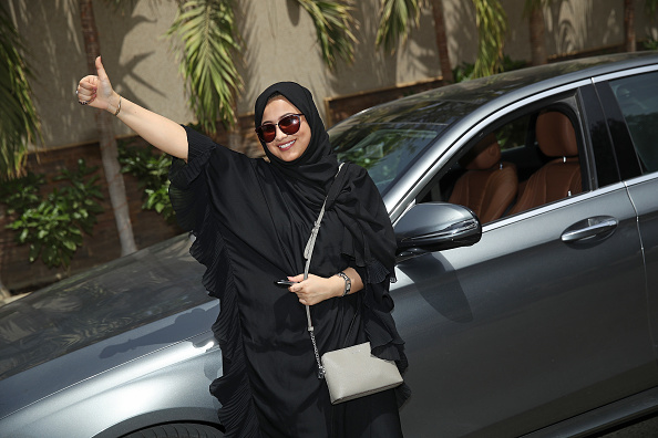 運転手「Women Begin Driving In Saudi Arabia」:写真・画像(11)[壁紙.com]