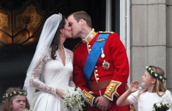 Grace van Cutsem「Royal Wedding - The Newlyweds Greet Wellwishers From The Buckingham Palace Balcony」:写真・画像(14)[壁紙.com]