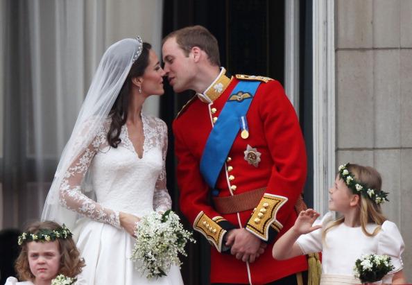 Grace van Cutsem「Royal Wedding - The Newlyweds Greet Wellwishers From The Buckingham Palace Balcony」:写真・画像(3)[壁紙.com]