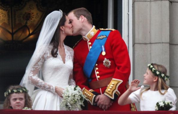 Grace van Cutsem「Royal Wedding - The Newlyweds Greet Wellwishers From The Buckingham Palace Balcony」:写真・画像(16)[壁紙.com]