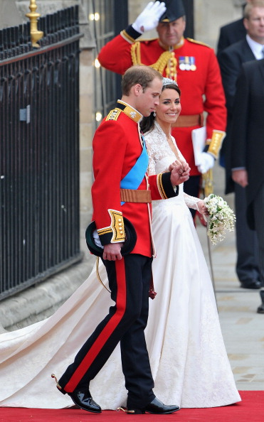 Wedding Dress「Royal Wedding - Carriage Procession To Buckingham Palace And Departures」:写真・画像(9)[壁紙.com]