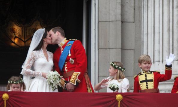 Grace van Cutsem「Royal Wedding - The Newlyweds Greet Wellwishers From The Buckingham Palace Balcony」:写真・画像(12)[壁紙.com]