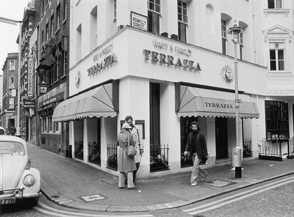 Street Light「Trattoria Terrazza」:写真・画像(18)[壁紙.com]