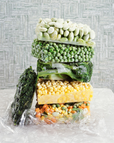 Medium Group Of Objects「Pile of Frozen Vegetables」:スマホ壁紙(2)