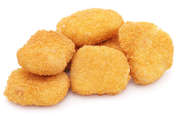 Chicken nuggets isolated on white:スマホ壁紙(壁紙.com)