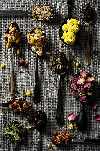 Fennel「Spoonful of dried herbs」:スマホ壁紙(2)