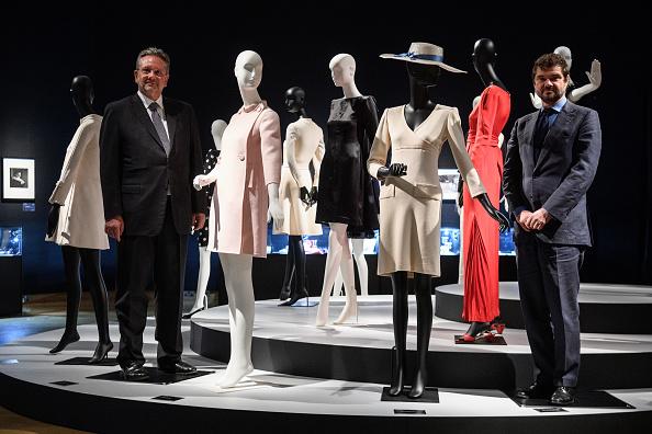 ドレス「Christies Auction House Holds Preview Of Audrey Hepburn's Jewellery Sale」:写真・画像(18)[壁紙.com]