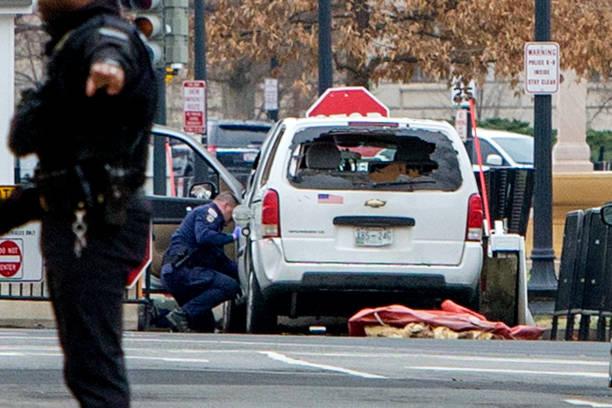 アメリカ合州国「Vehicle Driven Into Security Barrier Near White House」:写真・画像(1)[壁紙.com]