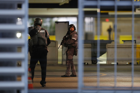 Fort Lauderdale「Shooting At Fort Lauderdale Airport」:写真・画像(16)[壁紙.com]