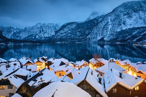 Salzkammergut「Hallstatt Village In Snow」:スマホ壁紙(8)