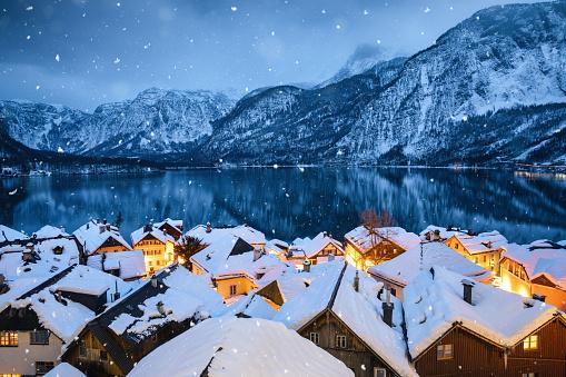 Salzkammergut「Hallstatt Village In Snow」:スマホ壁紙(13)