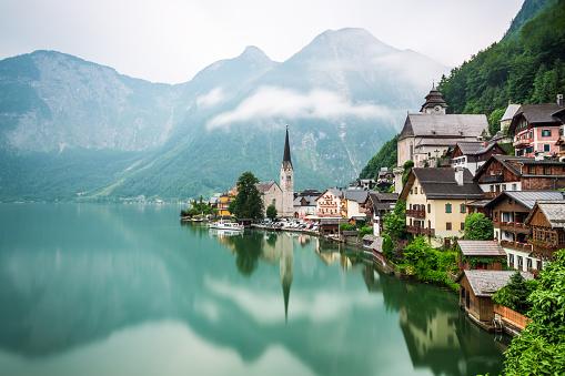 Hallstatter See「Hallstatt Village and Hallstatter See lake in Austria」:スマホ壁紙(13)