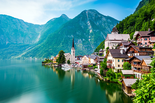 Hallstatt「Hallstatt Village and Hallstatter See lake in Austria」:スマホ壁紙(6)