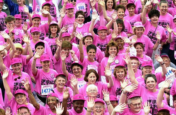 Brest cancer walk:ニュース(壁紙.com)
