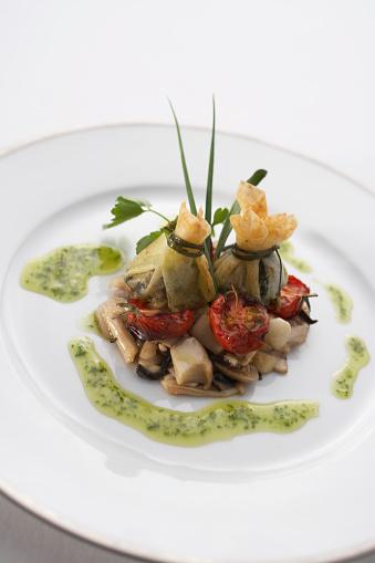 カタツムリ「Sauteed escargot with mushrooms」:スマホ壁紙(0)
