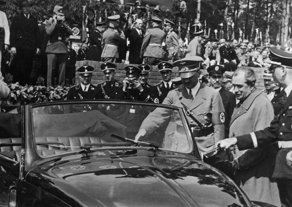Volkswagen「Hitler And Porsche」:写真・画像(13)[壁紙.com]