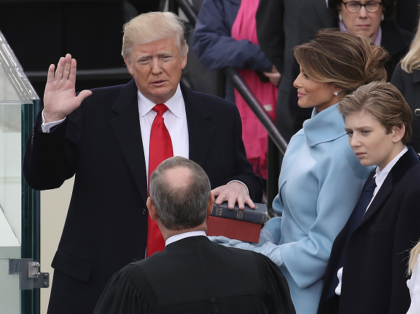 Presidential Inauguration「Donald Trump Is Sworn In As 45th President Of The United States」:写真・画像(2)[壁紙.com]