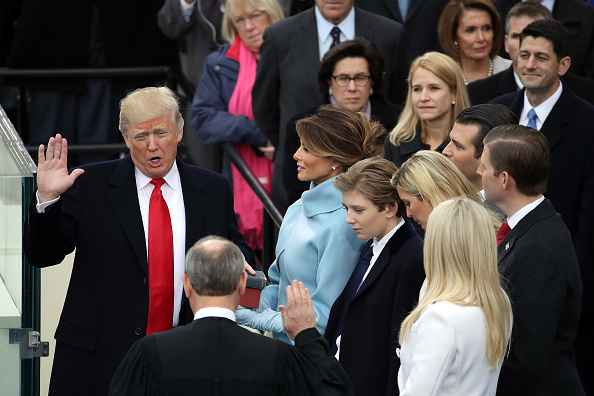 Drew Angerer「Donald Trump Is Sworn In As 45th President Of The United States」:写真・画像(4)[壁紙.com]
