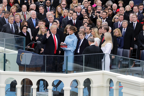 Bible「Donald Trump Is Sworn In As 45th President Of The United States」:写真・画像(10)[壁紙.com]