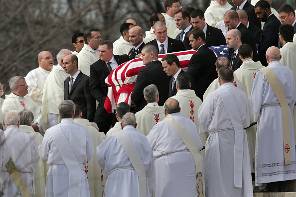 In A Row「Funeral For Supreme Court Justice Scalia Antonin Scalia Held In Washington, D.C.」:写真・画像(13)[壁紙.com]