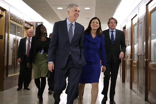 Kelly public「Trump's Supreme Court Nominee Neil Gorsuch Meets With Senators On Capitol Hill」:写真・画像(8)[壁紙.com]