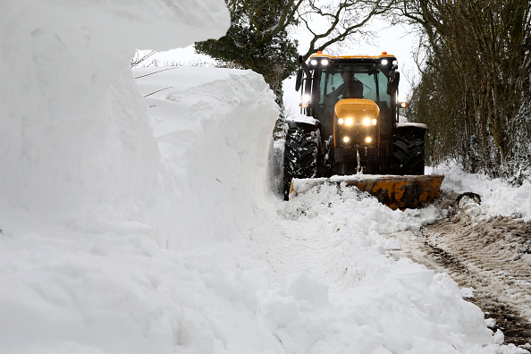 Snow Vehicle「Big Freeze Brings Snow, Ice and Flooding To The UK」:写真・画像(17)[壁紙.com]