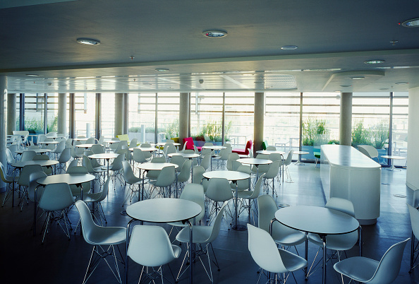 Empty「Cafeteria, Waterside Building (Richard Rogers Partnership), Paddington Basin, London, UK」:写真・画像(7)[壁紙.com]