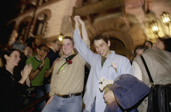 Appearance「Massachusetts To Begin Issuing Same Sex Marriage Licenses」:写真・画像(3)[壁紙.com]