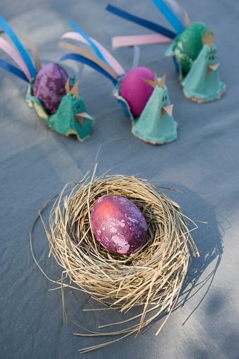 イースター「Easter decoration with nest, egg and self-made egg cups」:スマホ壁紙(0)