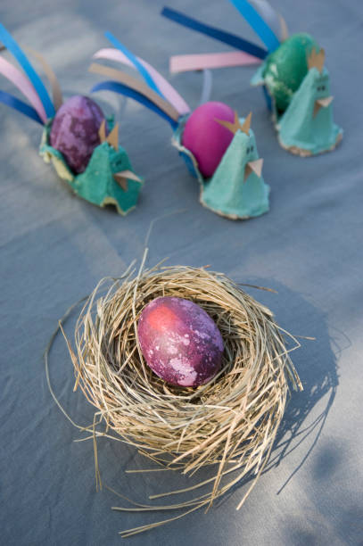 Easter decoration with nest, egg and self-made egg cups:スマホ壁紙(壁紙.com)