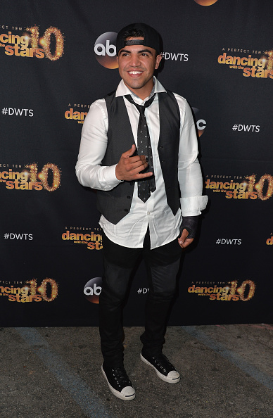 "Victor Ortiz「Premiere Of ABC's ""Dancing With The Stars"" Season 20 - Arrivals」:写真・画像(3)[壁紙.com]"