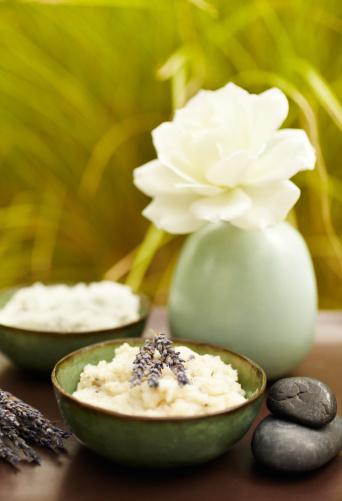 Health Spa「Exfoliation salt scrub at spa with lavender」:スマホ壁紙(17)