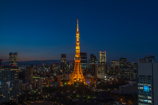 Tokyo Tower「Tokyo Tower light up at dusk」:スマホ壁紙(2)