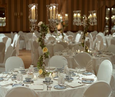 結婚「夕食前のウェディングホール」:スマホ壁紙(6)