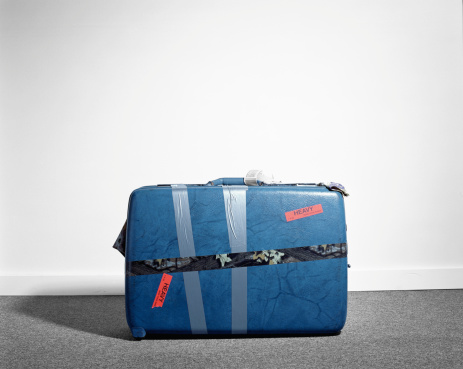 Ugliness「Large suitcase labelled 'heavy', bound with tape」:スマホ壁紙(13)