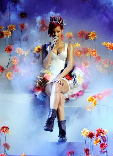 Performance「MTV Europe Music Awards 2010 - Show」:写真・画像(4)[壁紙.com]