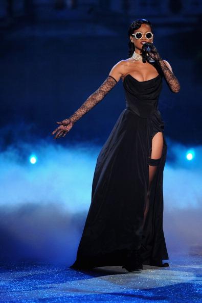 Strapless Evening Gown「2012 Victoria's Secret Fashion Show - Performance」:写真・画像(0)[壁紙.com]