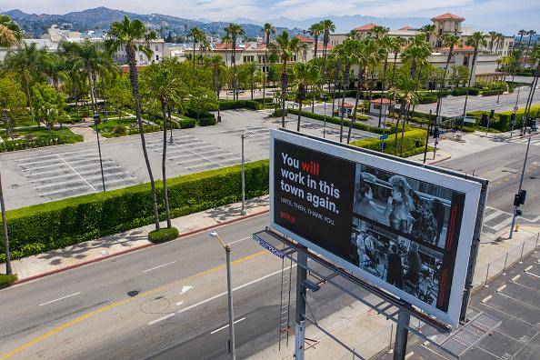 Hollywood - California「LA County Continues Reopening Economy Despite Rise In Coronavirus Cases」:写真・画像(6)[壁紙.com]