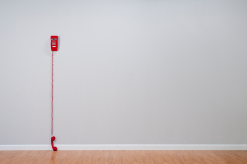 Push Button「Red Telephone In Empty Room」:スマホ壁紙(11)