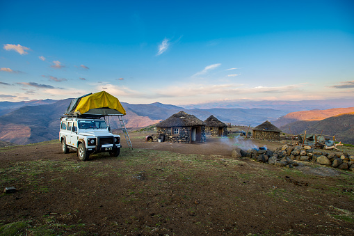 Base Camp「Base camp in the Lesotho mountains」:スマホ壁紙(15)