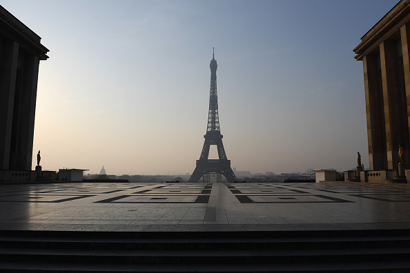 France「France Toughens Coronavirus Lockdown As Death Toll Rises」:写真・画像(5)[壁紙.com]