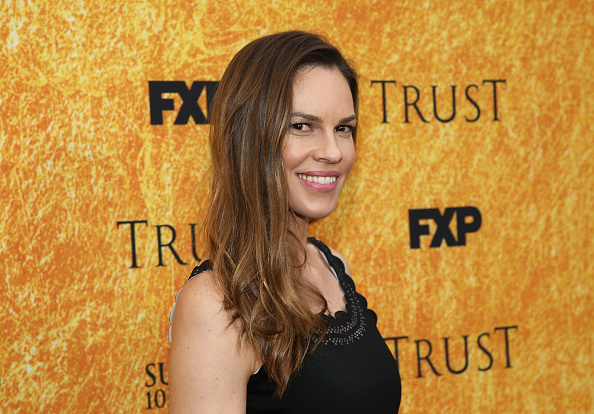 "Hilary Swank「For Your Consideration Event For FX's ""Trust"" - Arrivals」:写真・画像(7)[壁紙.com]"
