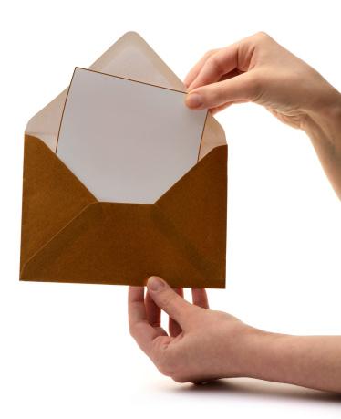 Human Hand「opening envelope」:スマホ壁紙(1)