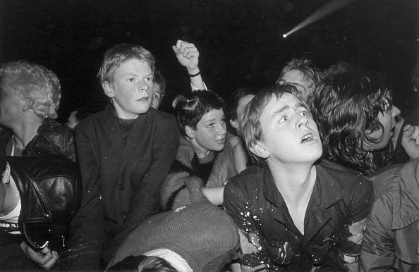 Crowd「Punk Fans」:写真・画像(17)[壁紙.com]