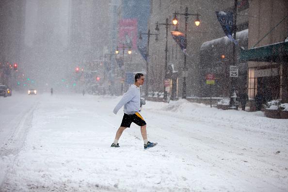 2016 Winter Storm Jonas「Huge Snow Storm Slams Into Mid Atlantic States」:写真・画像(1)[壁紙.com]