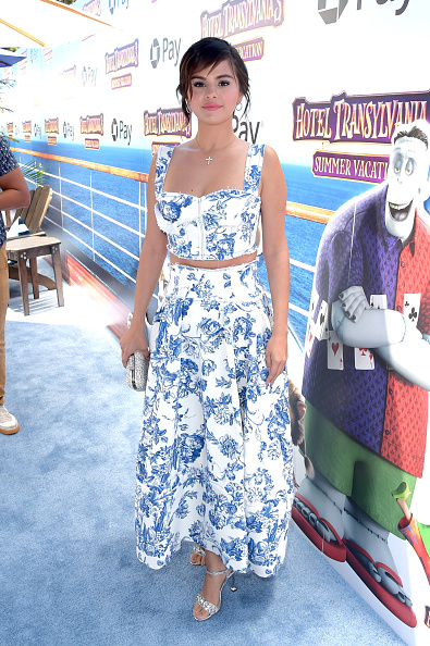 "Selena Gomez「Columbia Pictures And Sony Pictures Animation's World Premiere Of ""Hotel Transylvania 3: Summer Vacation"" - Red Carpet」:写真・画像(13)[壁紙.com]"