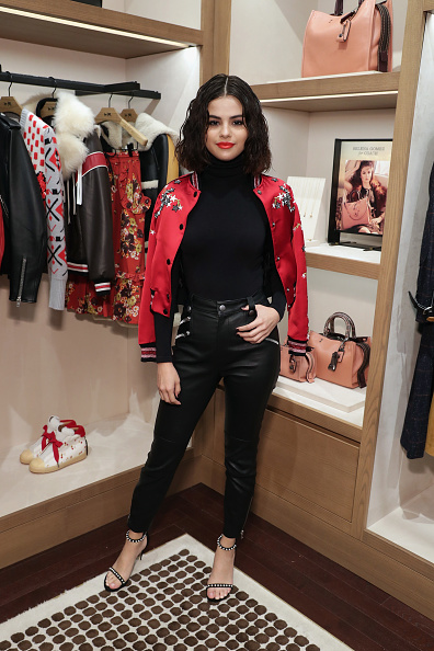 Selena Gomez「Coach In-Store Event with Selena Gomez」:写真・画像(17)[壁紙.com]