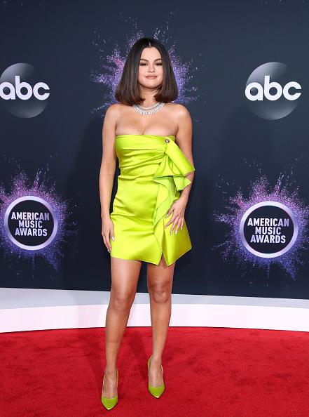 Selena Gomez「2019 American Music Awards - Arrivals」:写真・画像(9)[壁紙.com]