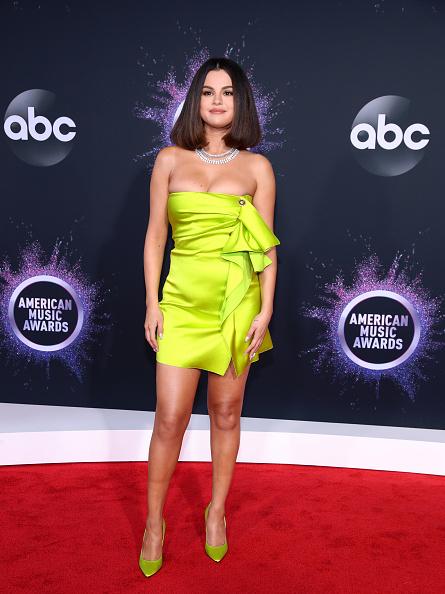 Selena Gomez「2019 American Music Awards - Arrivals」:写真・画像(16)[壁紙.com]